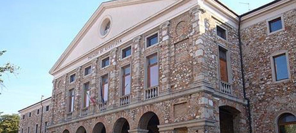 L'esterno del Tribunale di Udine