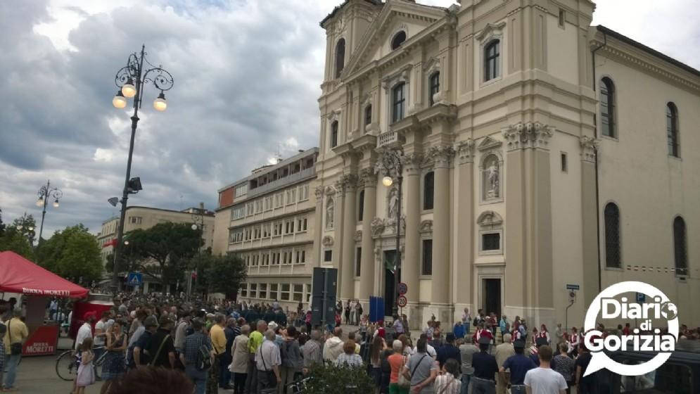Il pubblico nei pressi della Chiesa di Sant'Ignazio