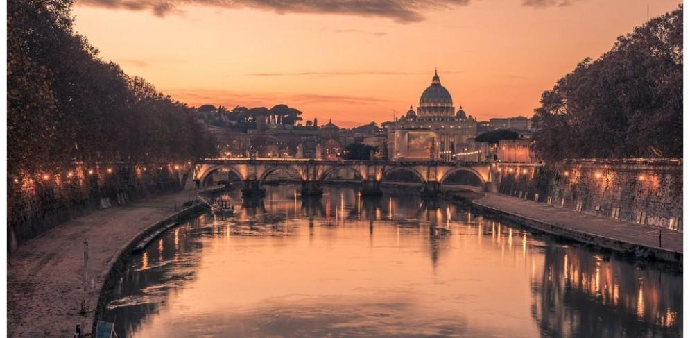 Verso coabitazione a Roma, Vaticano e grillini si «annusano»
