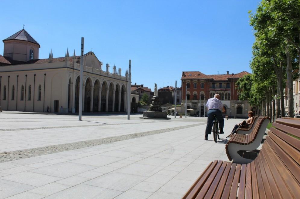 Biella: Piazza Duomo finiti i lavori di restauro (© Diario di Biella)