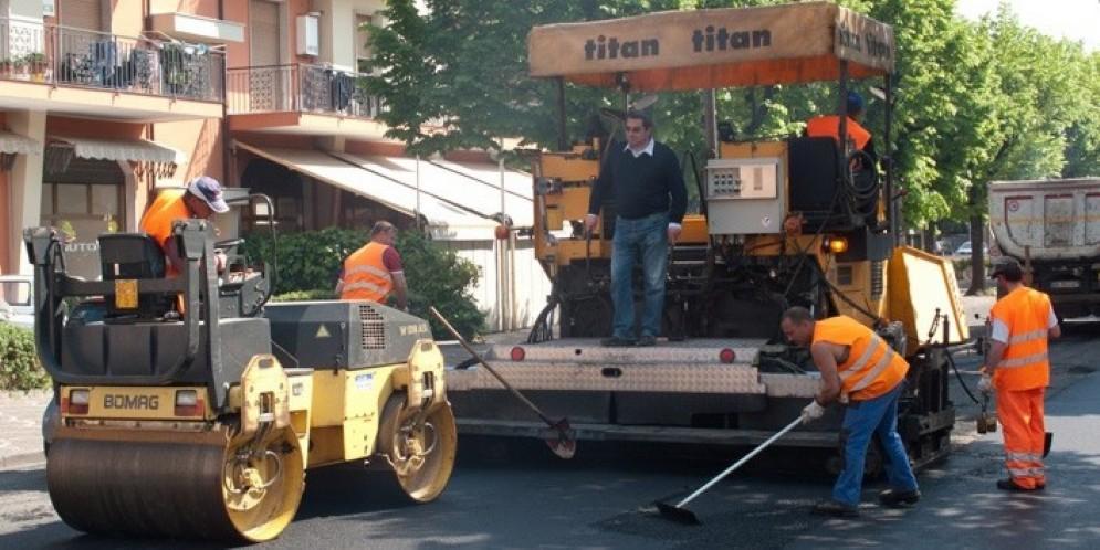 Lavori di asfaltatura in centro a Udine