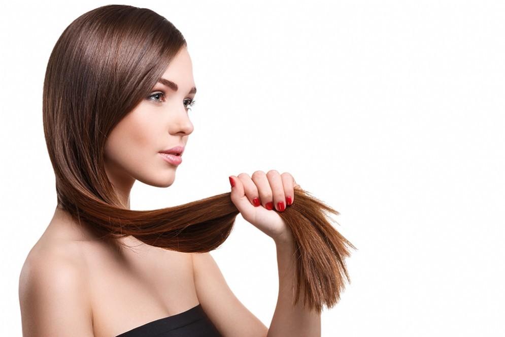 Donna con i capelli bruni
