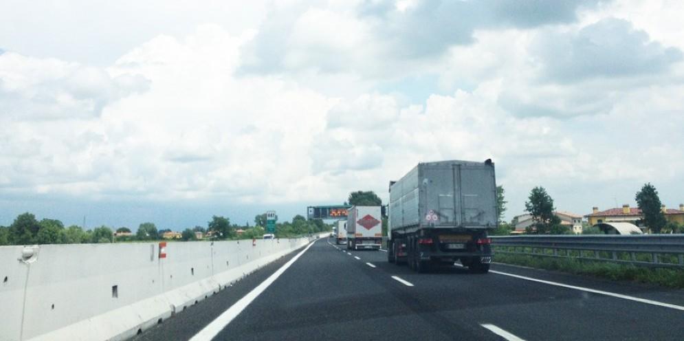 Incredibile vicenda in autostrada