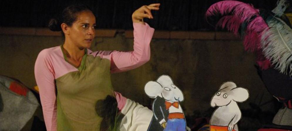 Una delle attrici del Cta Gorizia, in scena