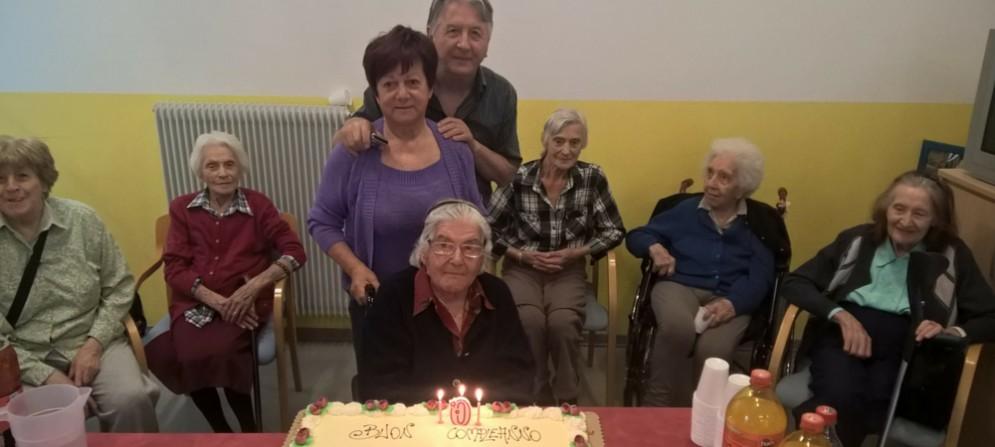 101 anni, la signora Emma è la più anziana di Pieris