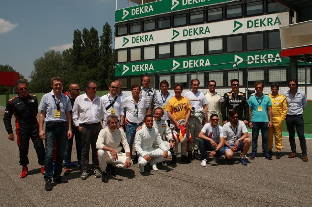 La foto di gruppo degli ospiti presenti