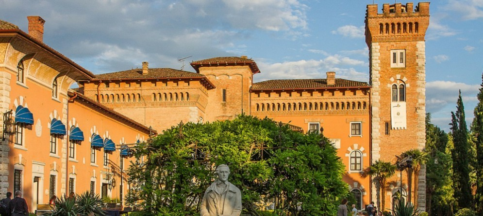 Premio Giacomo Casanova: la serata avrà come cornice il parco secolare del castello,