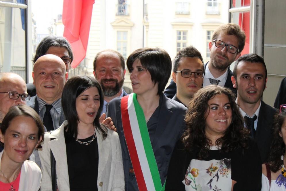 Un primo piano di Chiara Appendino, al primo giorno ufficiale da Sindaco