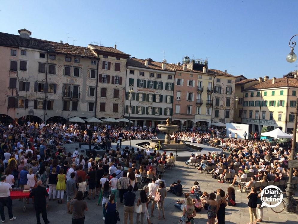 Il 'concerto del risveglio' in piazza San Giacomo