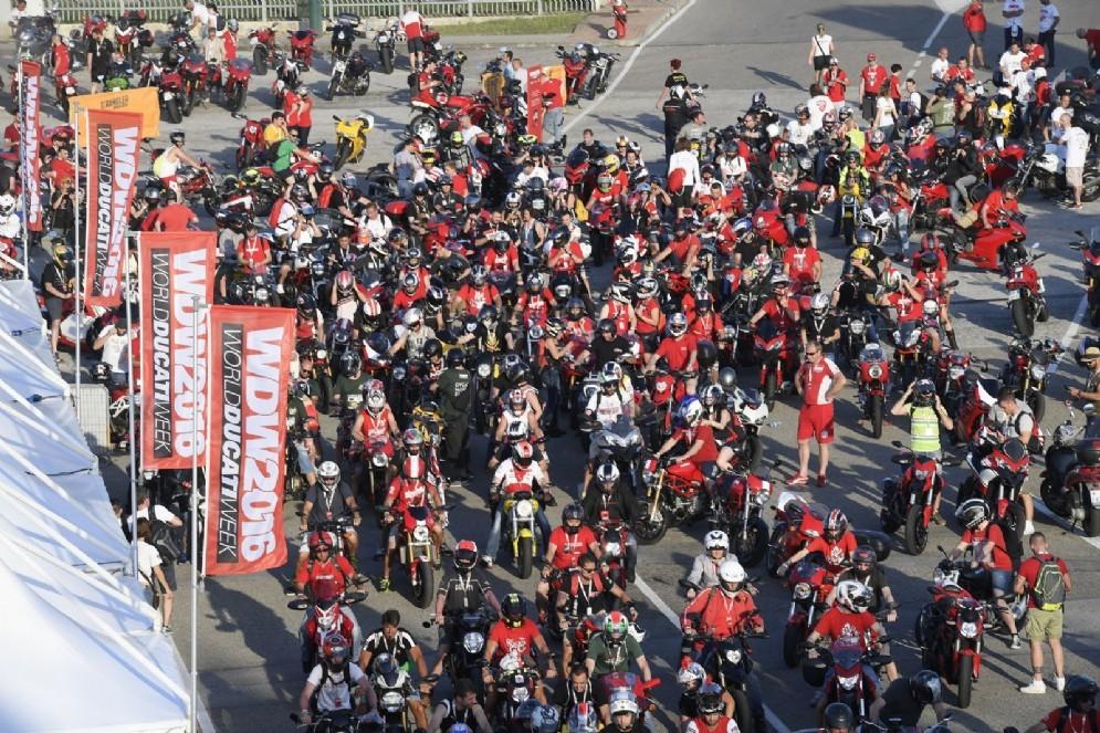 I partecipanti alla World Ducati Week (© Ducati)