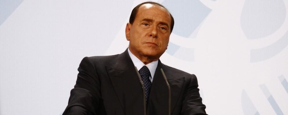 Silvio Berlusconi dimesso dall'ospedale: «Le prossime elezioni? Le vincerà il M5S»