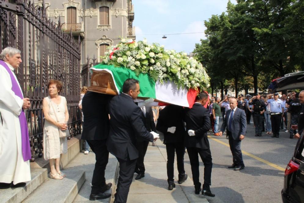 Anche Don Ciotti ha celebrato il funerale di Claudia