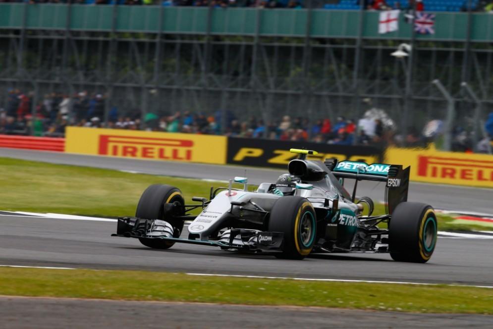 Nico Rosberg in pista durante il GP di Silverstone