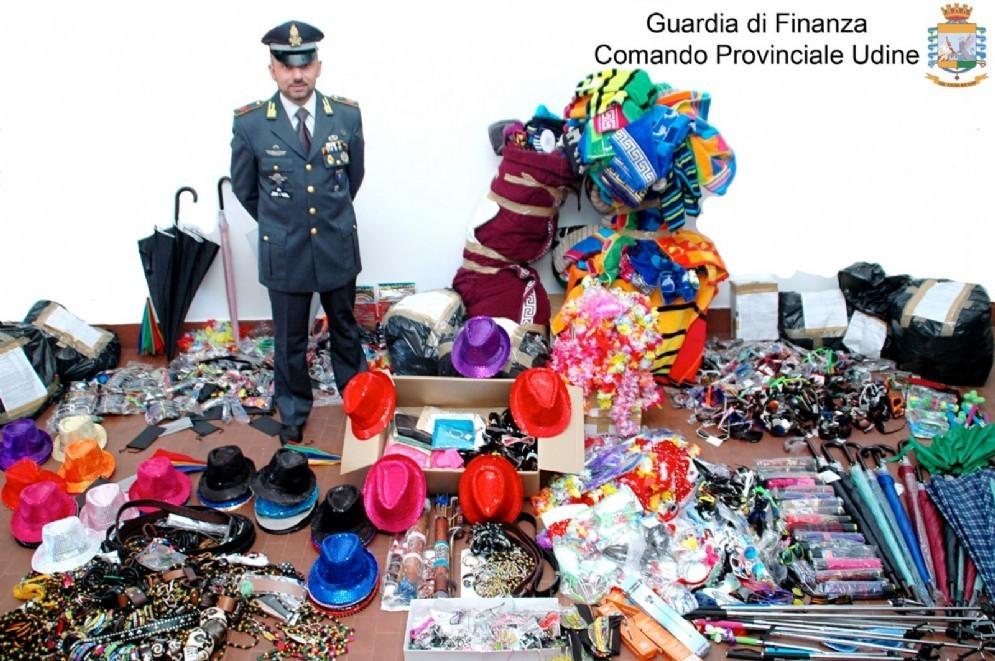 I prodotti sequestrati dalla Finanza a Lignano