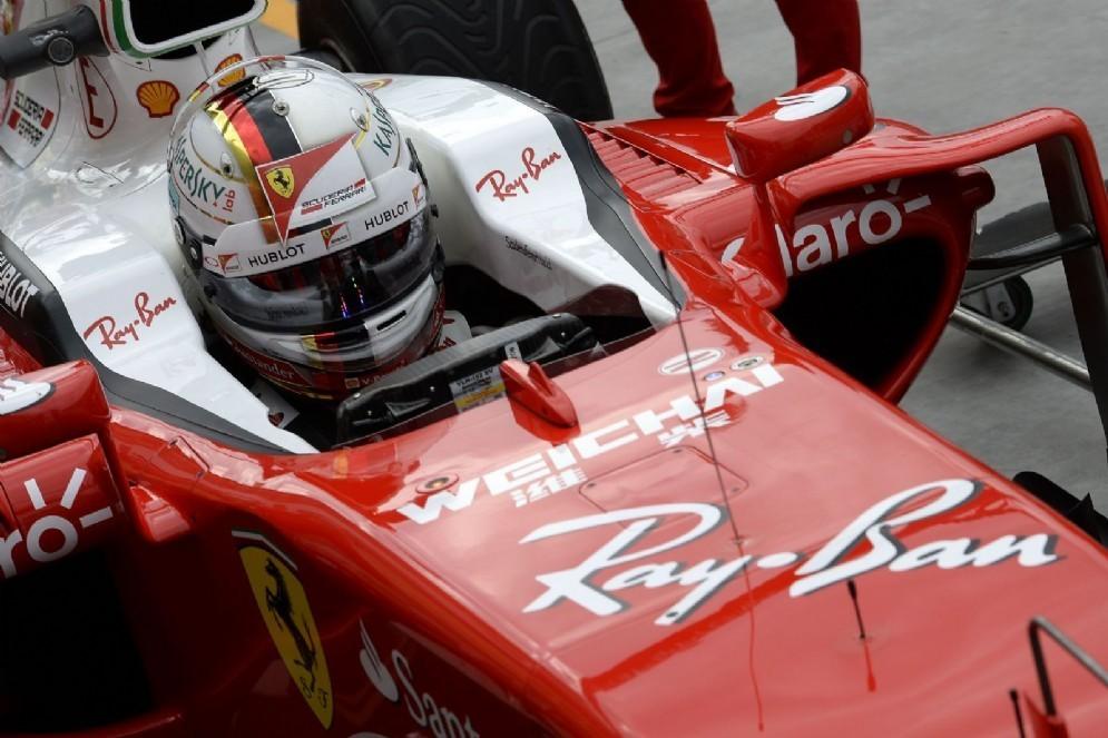 Sebastian Vettel a bordo della sua SF16-H in Ungheria