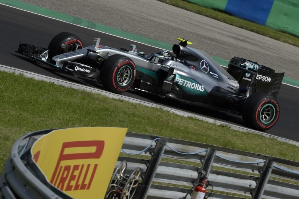 Nico Rosberg in pista nelle prove libere in Ungheria