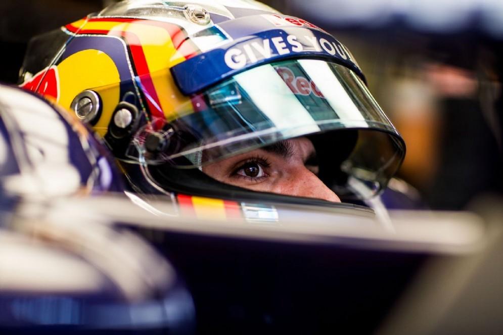 Carlos Sainz a bordo della sua Toro Rosso