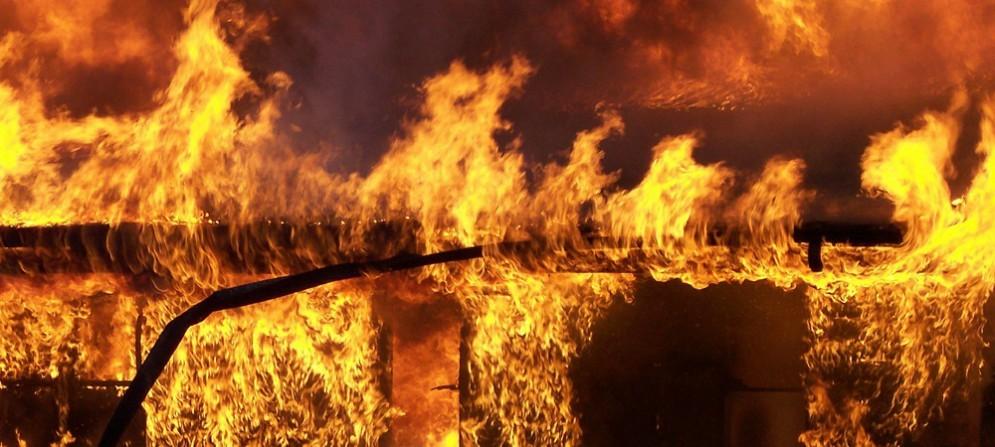 Divampa incendio alla Euroink srl di Fiume Veneto. Danni ingenti