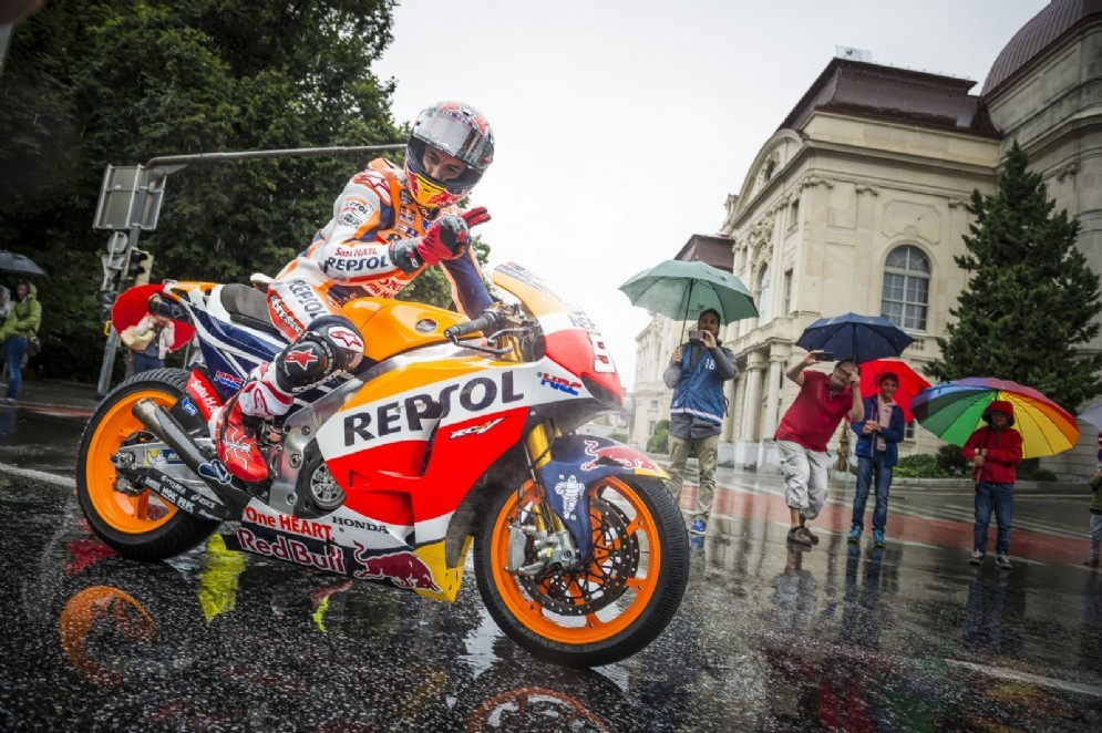 Marc Marquez alla parata della MotoGP a Graz