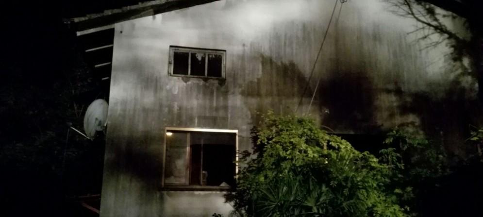 La casa distrutta dall'incendio a Mortegliano