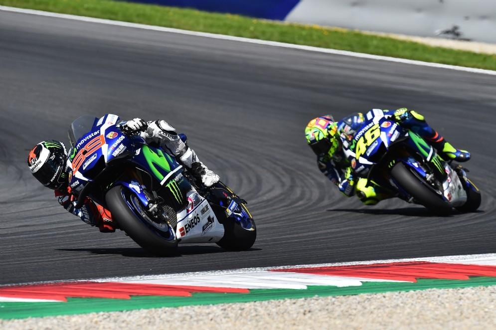 Jorge Lorenzo e Valentino Rossi in gara al Red Bull Ring