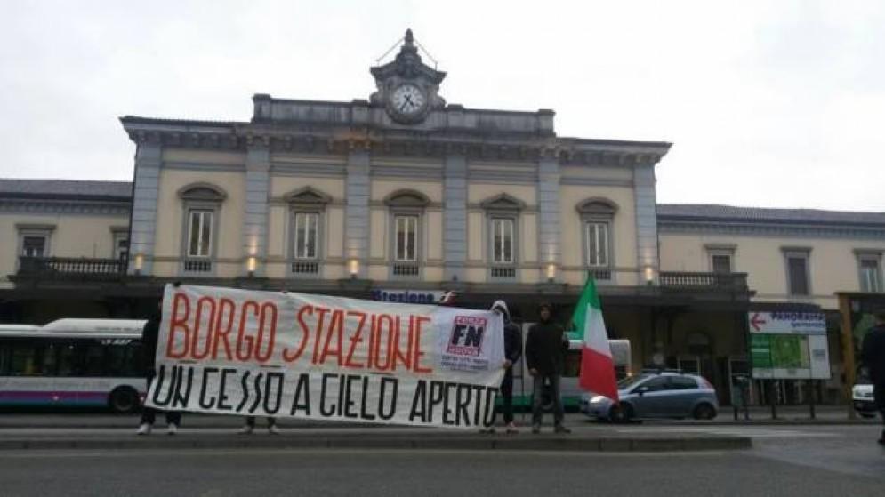 Una manifestazione di Fn davanti alla stazione