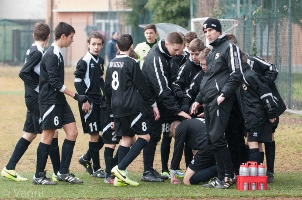 Alcuni giovani calciatori del Donatello