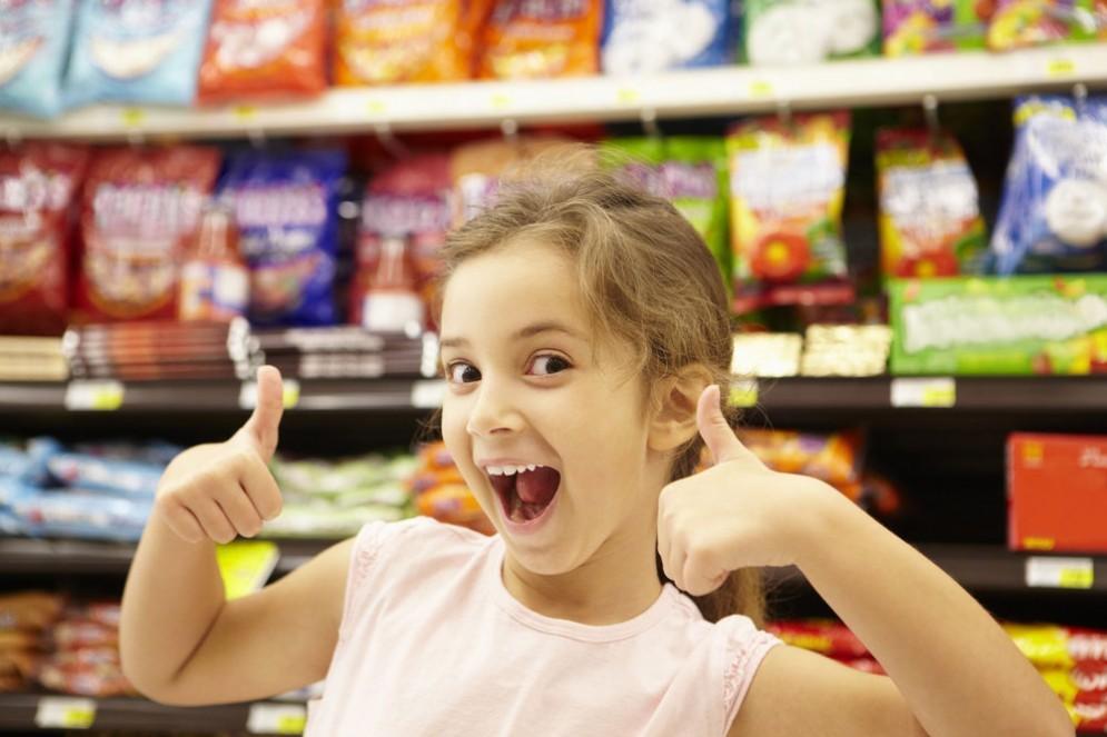 Dolci e zuccheri, fanno male ai bambini secondo uno studio