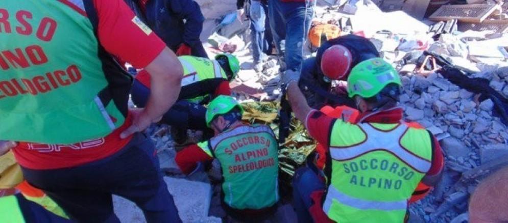 Volontari del Soccorso alpino in azione nel Lazio