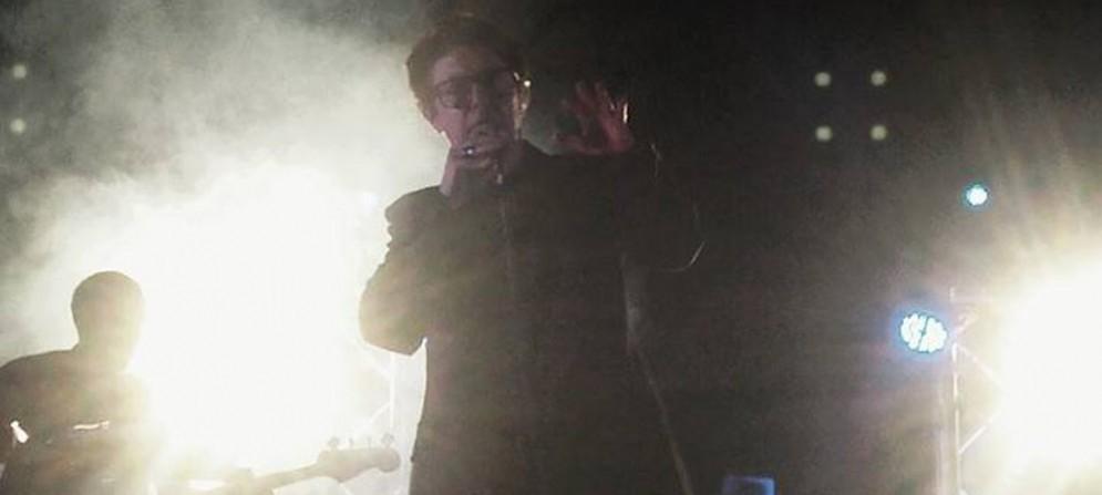 Garbo durante il suo concerto a Terenzano (Udine)