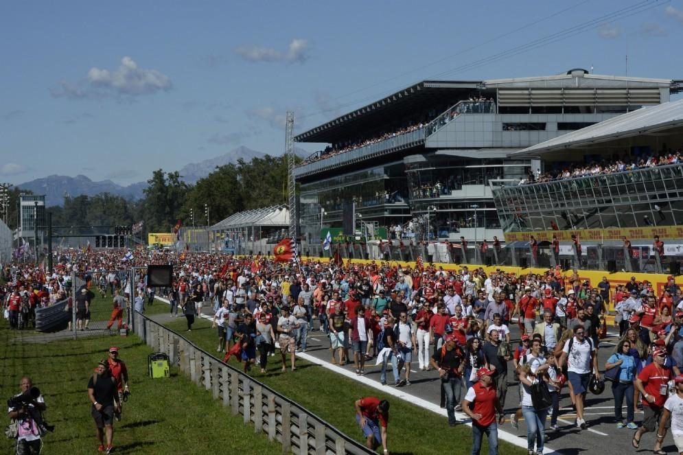 L'invasione di pista del pubblico a Monza