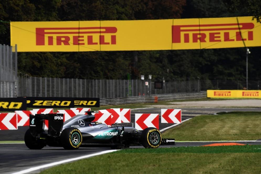 La Mercedes in azione a Monza