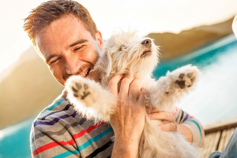 I proprietari di animali come il cane sono meno infedeli
