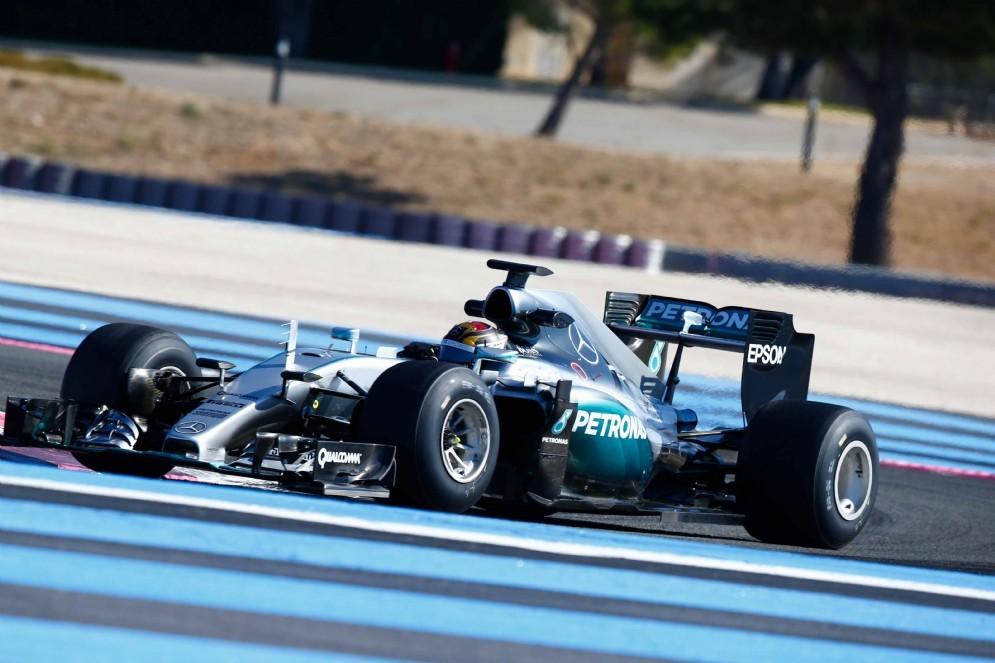 La Mercedes di Pascal Wehrlein in pista al Paul Ricard
