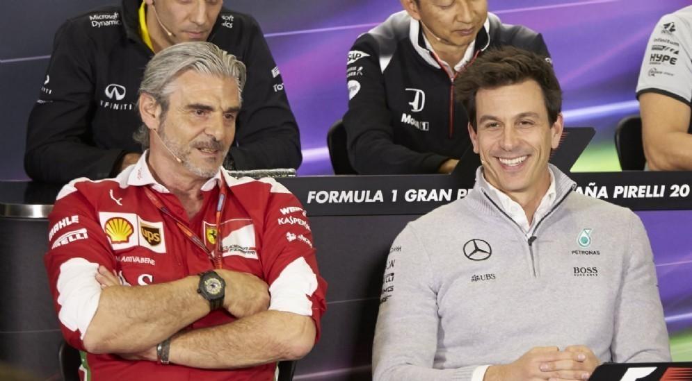 I team principal della Ferrari, Maurizio Arrivabene, e della Mercedes, Toto Wolff