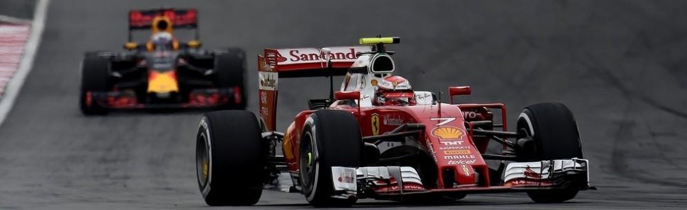 Kimi Raikkonen davanti alla Red Bull nelle qualifiche di Sepang