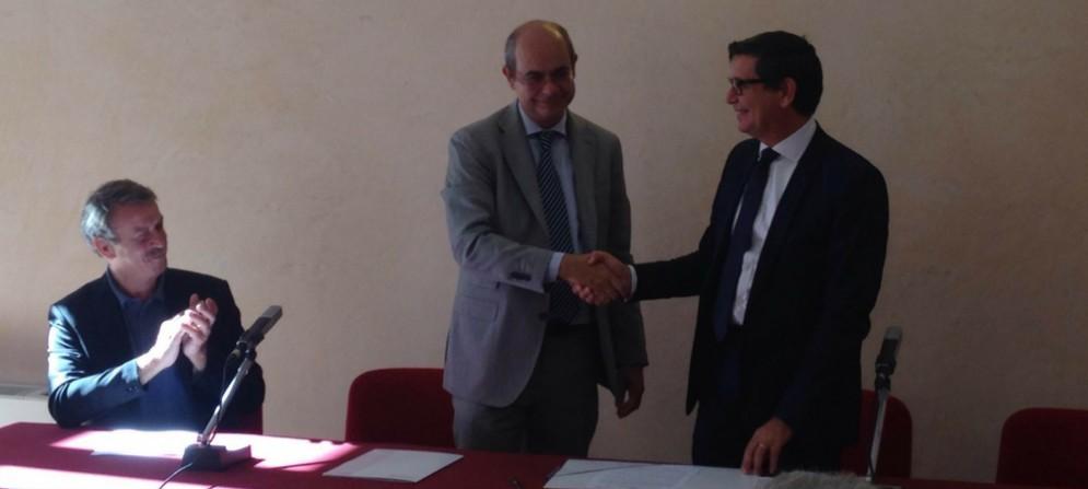 Ilsovrintendente del teatro Verdi Stefano Paceeil presidente del Conservatorio Lorenzo Capaldo