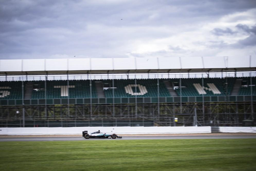 Jorge in azione sul circuito di Silverstone