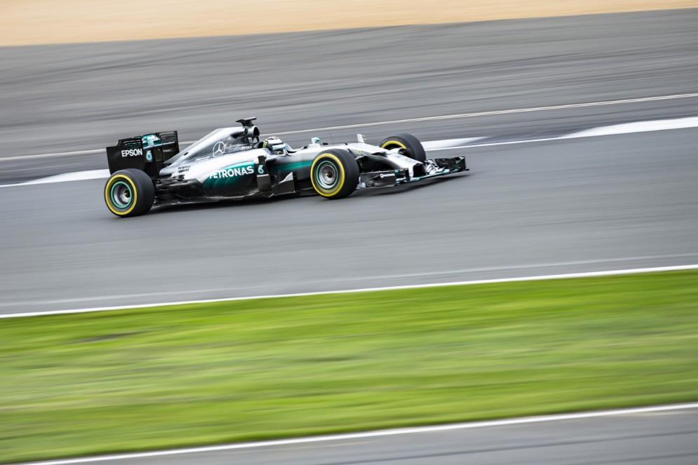 Lorenzo in pista con la vettura di F1
