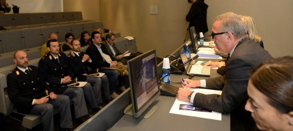 """Giovanni Marzini, presidente del corecom Fvg, presenta l'iniziativa """"Bulli in rete"""""""