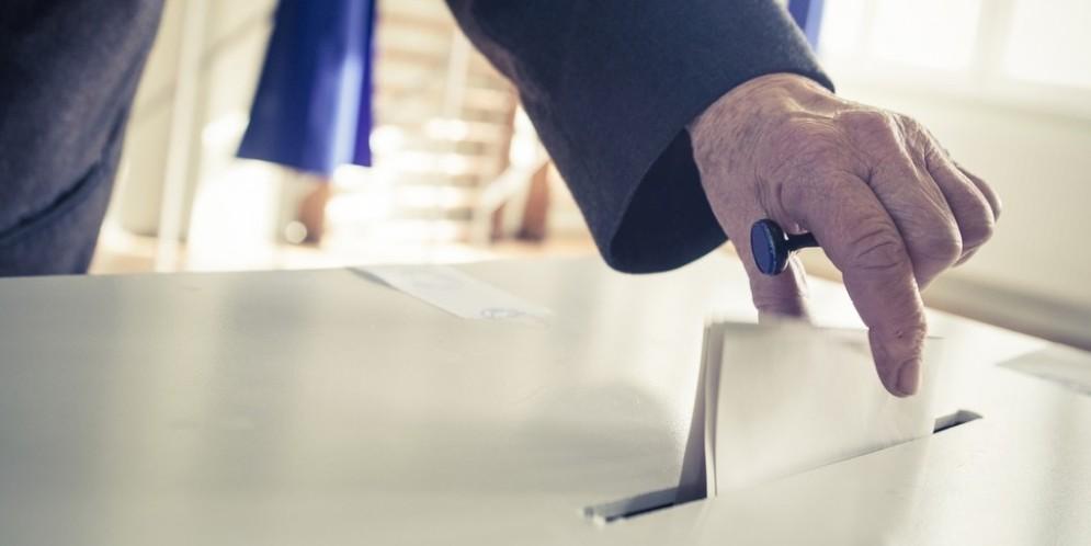 Meno di metà degli aventi diritto alle urne (rilevazione delle 19)