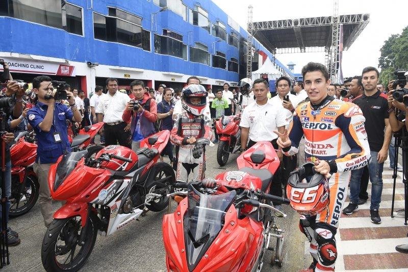 Marquez scende in pista con i giovani sul circuito di Sentul