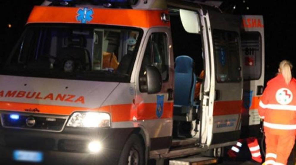 La donna è stata soccorsa dall'ambulanza