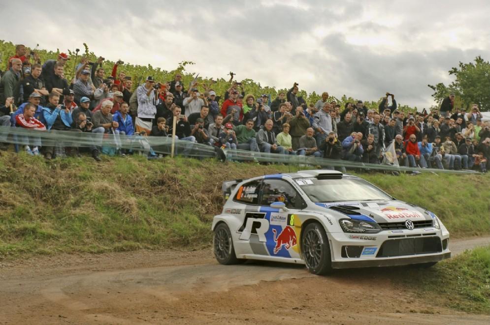 Il pilota francese in azione nel Rally di Francia 2013