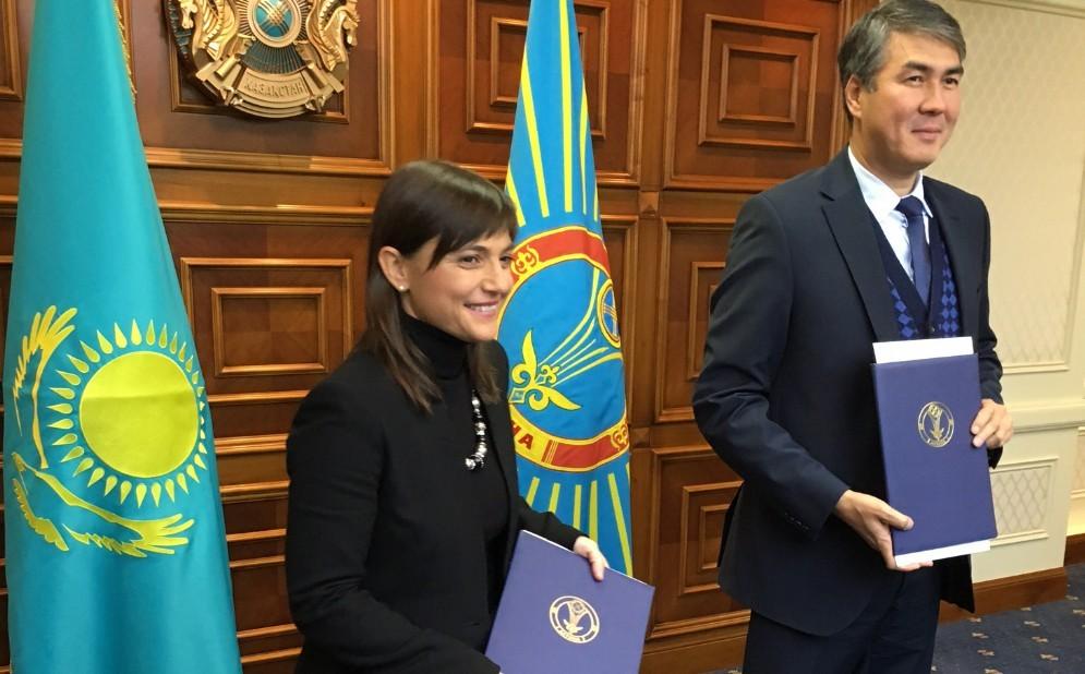 Serracchiani durante la visita ufficiale in Kazakistan