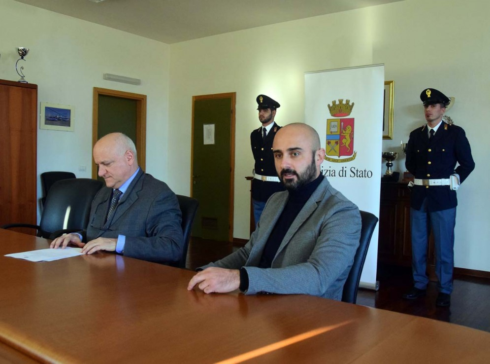 Un momento della conferenza stampa di questa mattina nella Questura di Biella