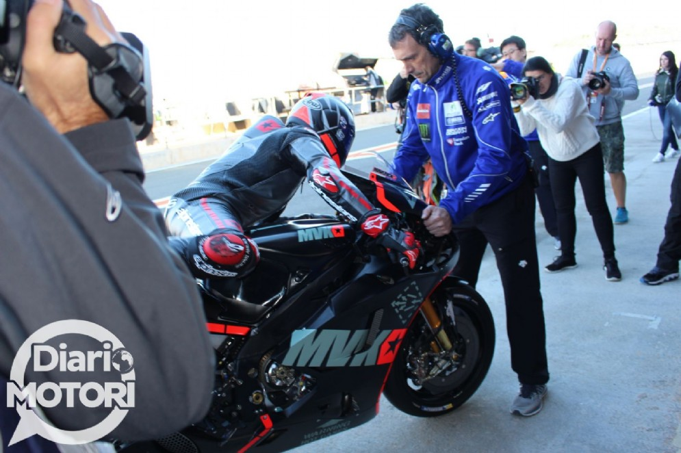 Vinales scende in pista con la Yamaha