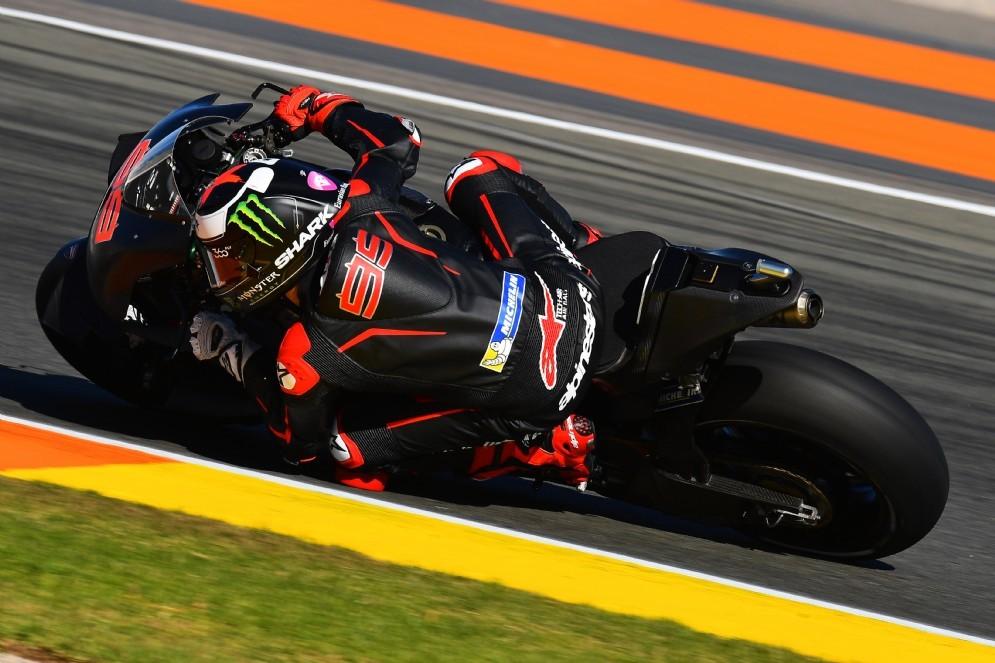 Jorge Lorenzo in azione con la Ducati a Valencia