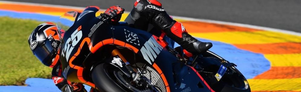 Maverick Vinales in azine sulla Yamaha a Valencia