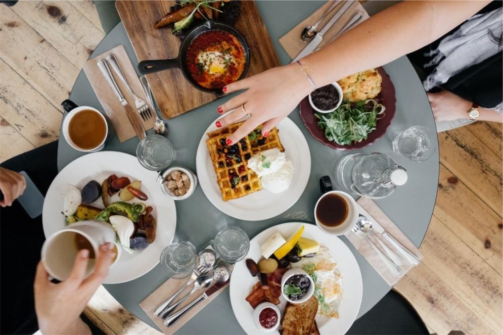 Legge sull'home restaurant, perché blocca tutta la sharing economy